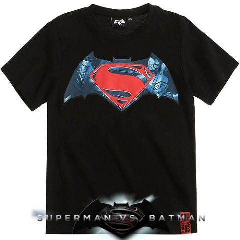 Тениска Батман срещу Супермен